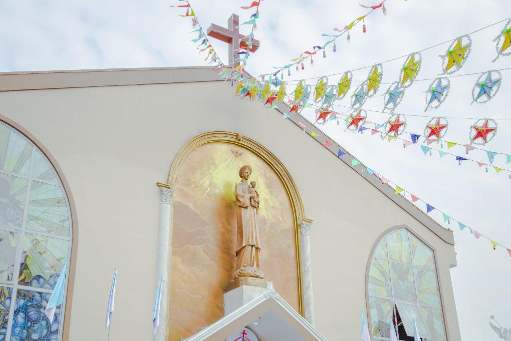 Giáo xứ Bình Lợi nhìn từ bên ngoài